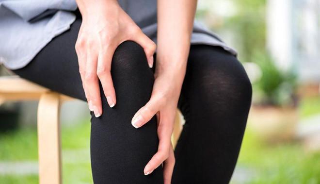 Chủ quan với tê chân không ngờ mắc phải căn bệnh dễ gây tử vong này? - 1
