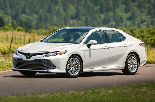 Toyota Camry bản cao cấp nhất giảm giá 75 triệu đồng - 4