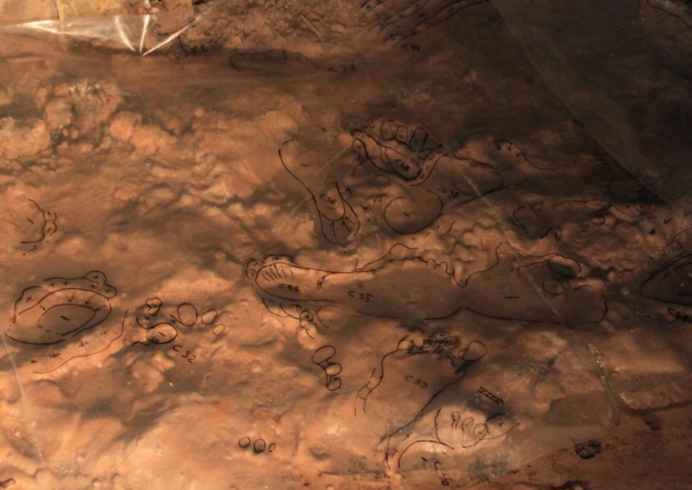 Dấu chân 14.000 năm tuổi ghi lại chuyến đi chơi dưới lòng đất của một gia đình thời kỳ đồ đá - 3