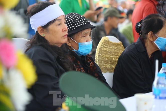 Ngày lễ 20/10 đầy nước mắt của mẹ và vợ Thiếu tướng Hùng - 1