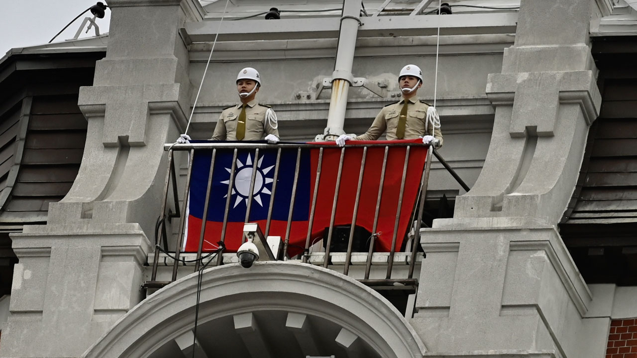 Quan chức ngoại giao Đài Loan và TQ ẩu đả ở đảo quốc Thái Bình Dương, phải nhập viện