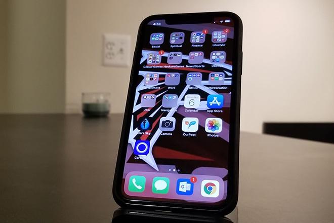 iPhone XR tân trang có giá giảm mạnh - 1