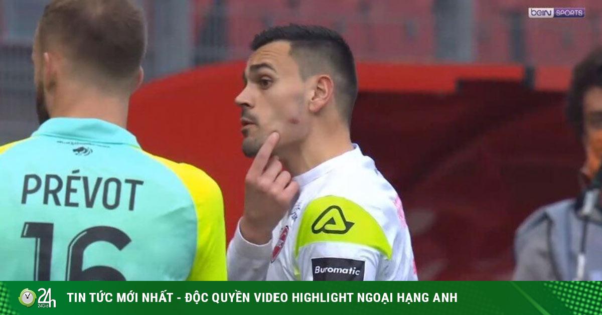 SAO bóng đá Pháp hóa Suarez 2.0 cắn đối thủ, sắp có án phạt nặng