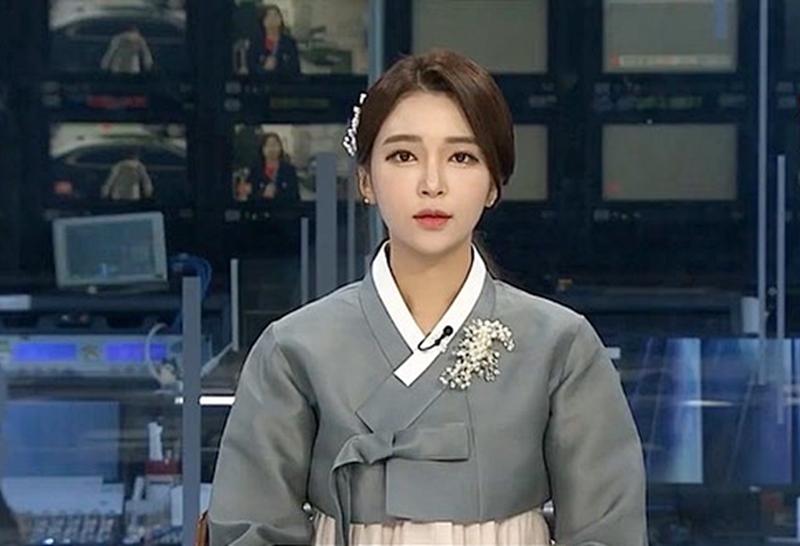 Nữ MC Hàn từng thi hoa hậu gây shock vì mặc hanbok như nội y ngoài đời ăn diện ra sao? - 6