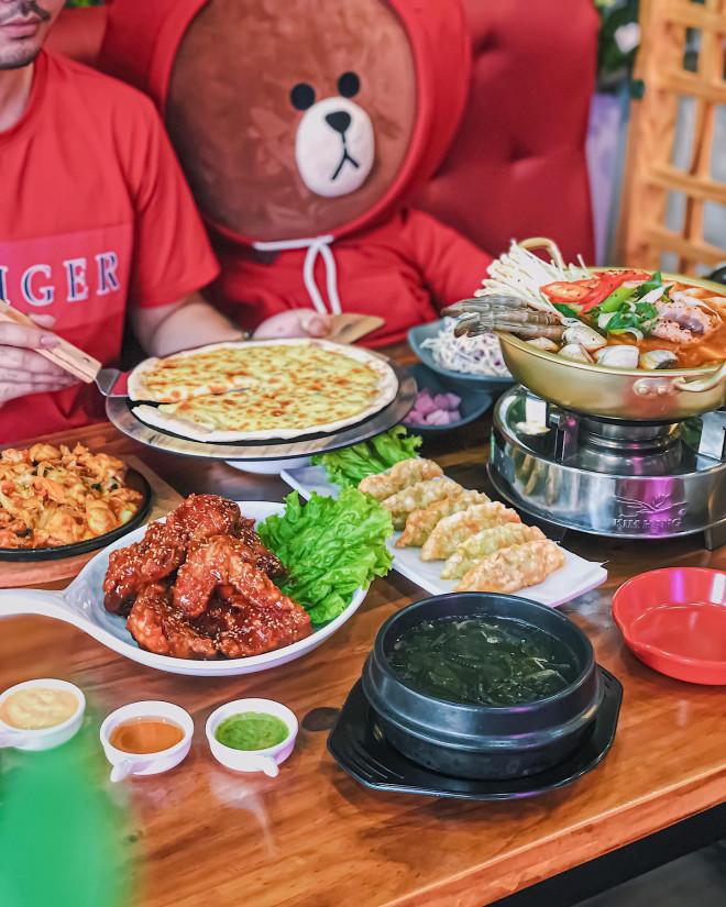 """Hẹn hò Sài Gòn: Thực đơn ngập phô mai thơm béo hay gạo lứt """"healthy""""? - 1"""