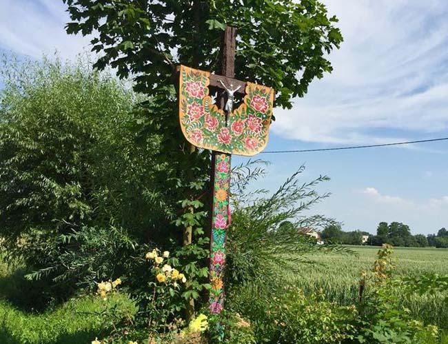 Ngôi làng phát cuồng với các họa tiết bằng hoa, biết được nguồn gốc ai cũng bất ngờ - 11