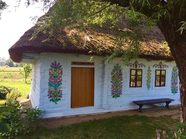 Ngôi làng phát cuồng với các họa tiết bằng hoa, biết được nguồn gốc ai cũng bất ngờ - 6