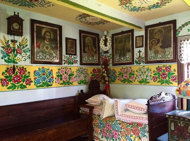 Ngôi làng phát cuồng với các họa tiết bằng hoa, biết được nguồn gốc ai cũng bất ngờ - 5