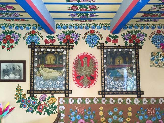 Ngôi làng phát cuồng với các họa tiết bằng hoa, biết được nguồn gốc ai cũng bất ngờ - 8