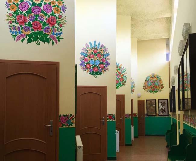 Ngôi làng phát cuồng với các họa tiết bằng hoa, biết được nguồn gốc ai cũng bất ngờ - 7