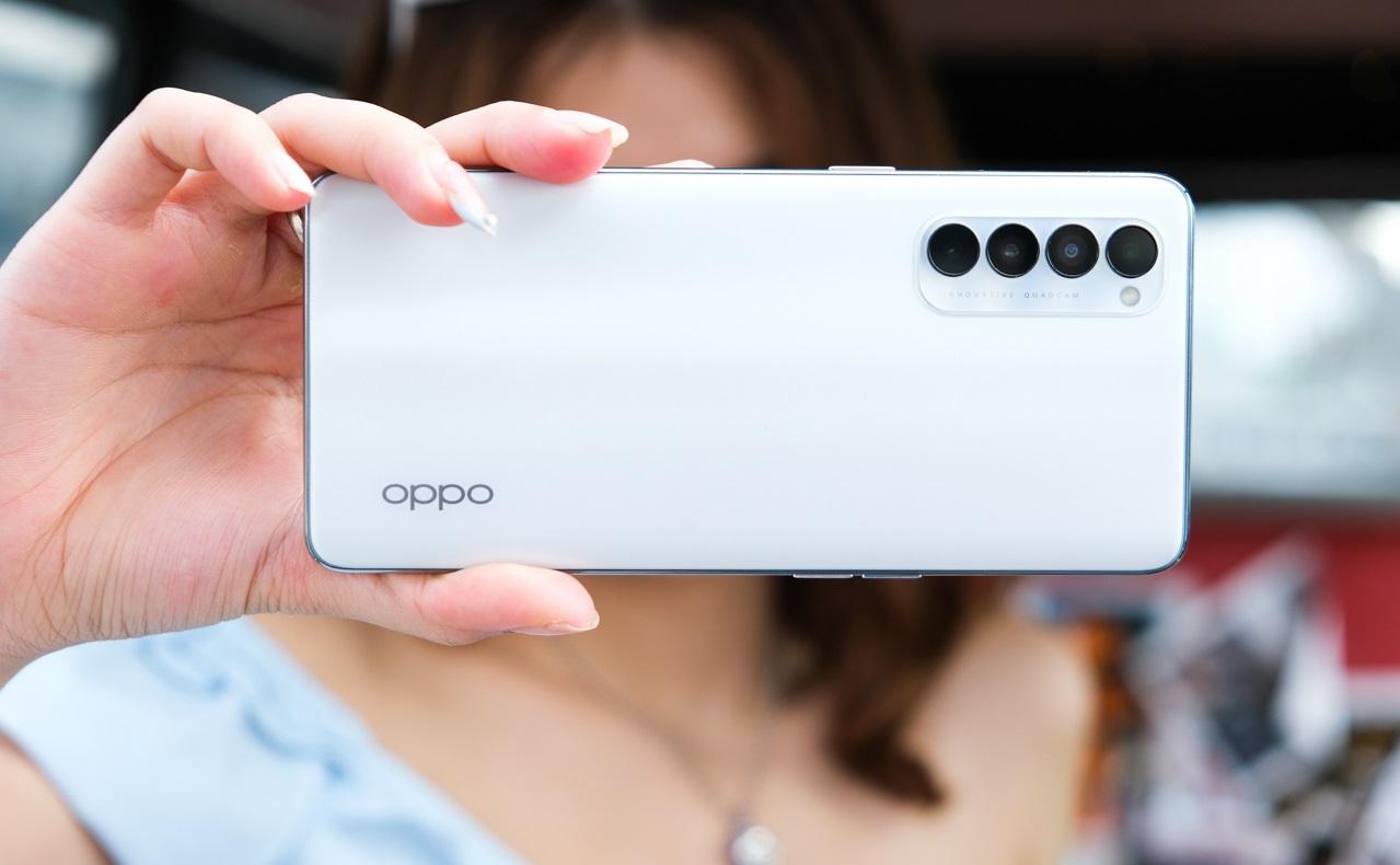 """Top smartphone sạc nhanh """"thần tốc"""" đang được bán ở Việt Nam - 1"""
