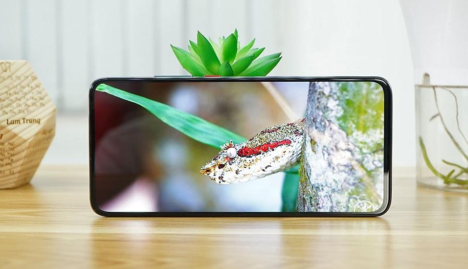 """Top smartphone sạc nhanh """"thần tốc"""" đang được bán ở Việt Nam - 4"""