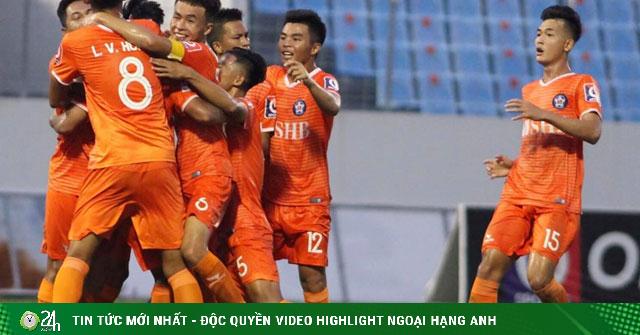 Mãn nhãn siêu phẩm đẳng cấp thế giới ở V-League, HLV Huỳnh Đức ngả mũ
