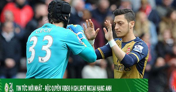 Ngoại hạng Anh choáng nặng: Petr Cech trở lại, Ozil ngồi chơi nhận 350.000 bảng/tuần