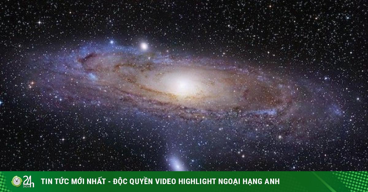 Hãi hùng quái vật chứa Trái Đất nuốt chửng cả một thiên hà