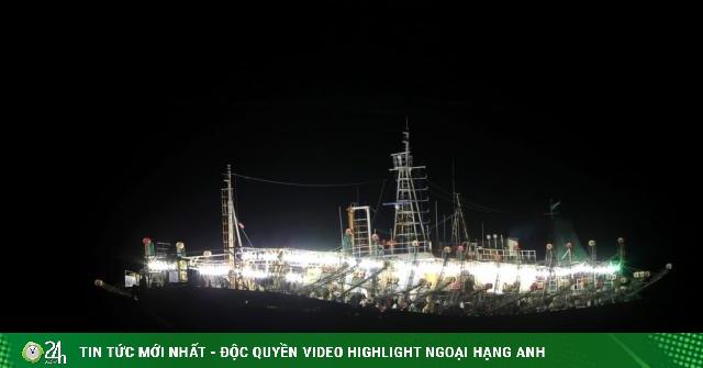 Đội tàu cá Trung Quốc đánh bắt theo cách chưa từng thấy ở ngoài khơi Peru