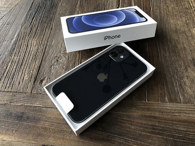 Dân mạng thi nhau khoe ảnh sở hữu những chiếc iPhone 12 và 12 Pro đầu tiên - 2