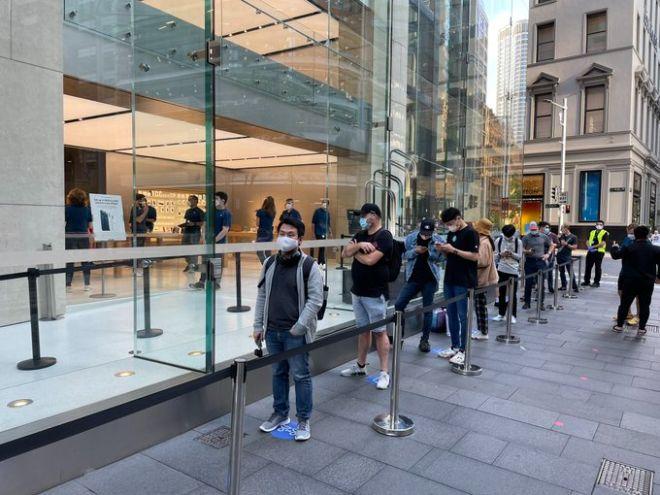Dân mạng thi nhau khoe ảnh sở hữu những chiếc iPhone 12 và 12 Pro đầu tiên - 3