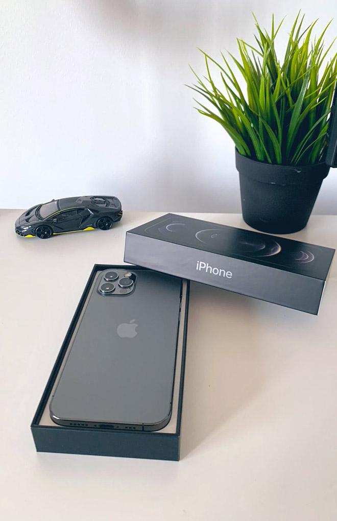 Dân mạng thi nhau khoe ảnh sở hữu những chiếc iPhone 12 và 12 Pro đầu tiên - 6