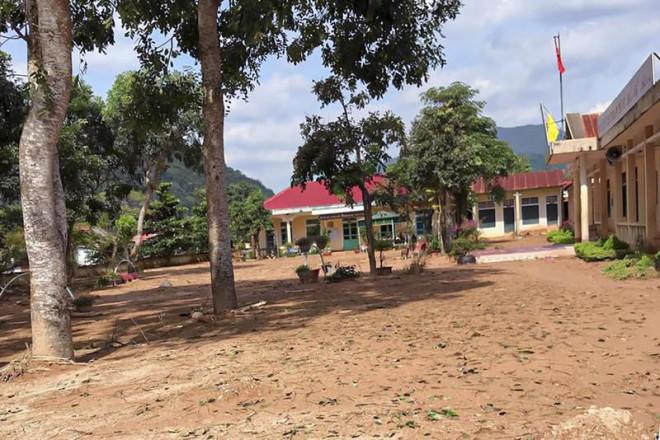 Cảnh tan hoang sau lũ ở Hướng Việt sau 1 tuần bị cô lập - 14