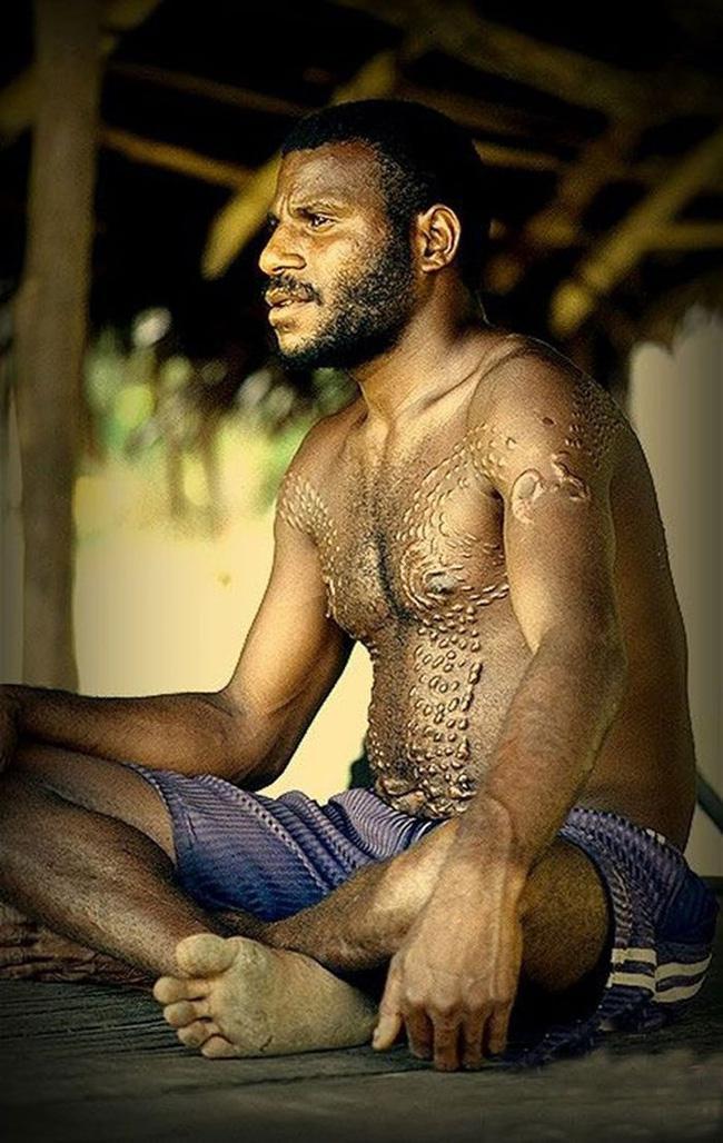 Bộ lạc bí hiểm và những tập tục kinh dị và ớn lạnh ở Papua New Guinea - 3