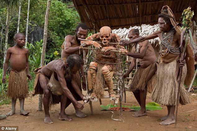 Bộ lạc bí hiểm và những tập tục kinh dị và ớn lạnh ở Papua New Guinea - 6
