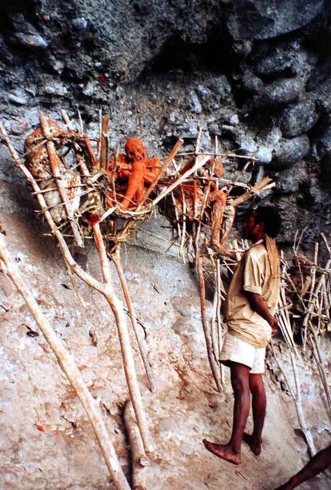 Bộ lạc bí hiểm và những tập tục kinh dị và ớn lạnh ở Papua New Guinea - 7