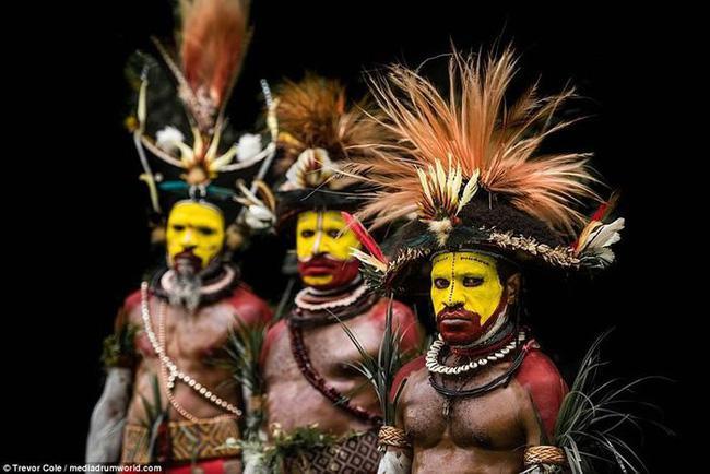 Bộ lạc bí hiểm và những tập tục kinh dị và ớn lạnh ở Papua New Guinea - 9