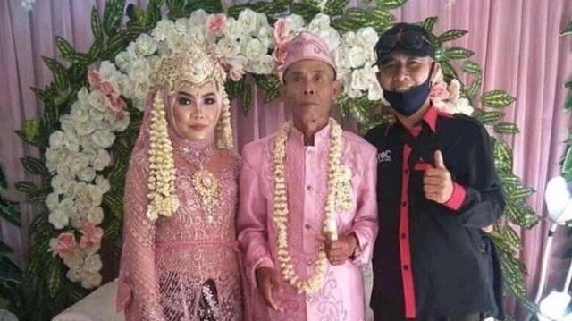 Chú rể 71 xin cưới cô dâu 18 chỉ đáng tuổi cháu, nhìn quà cưới ai cũng choáng váng - 3