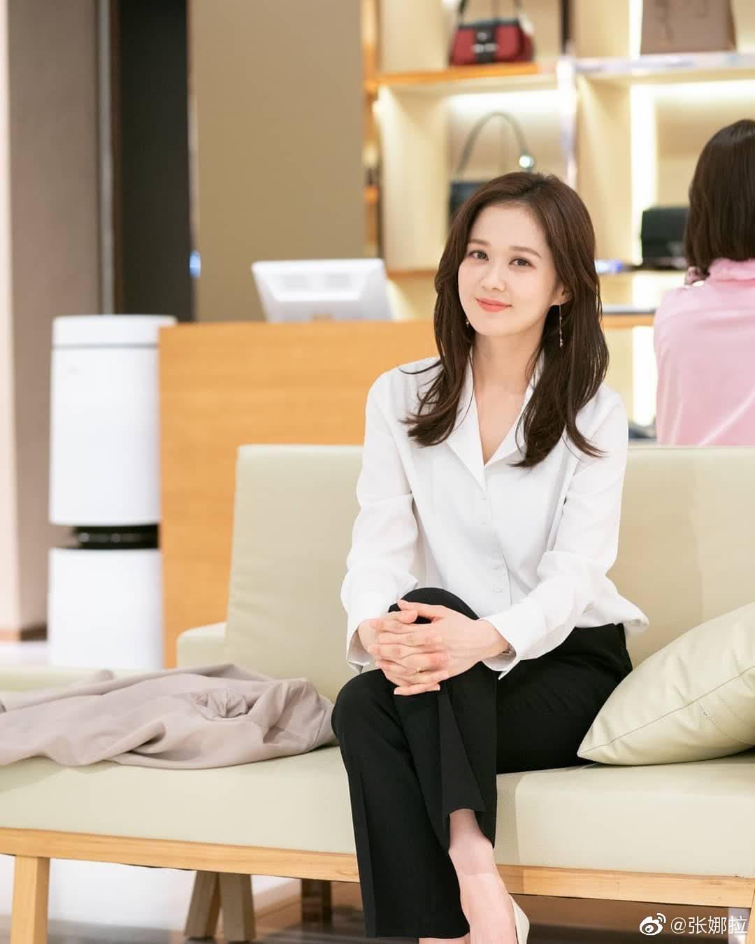 Jang Nara khiến dân tình xuýt xoa vì vẻ đẹp thiếu nữ ngây thơ ở tuổi U40 - 7