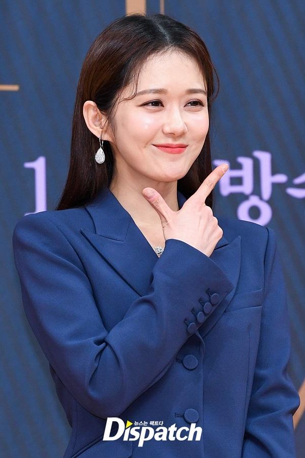 Jang Nara khiến dân tình xuýt xoa vì vẻ đẹp thiếu nữ ngây thơ ở tuổi U40 - 8