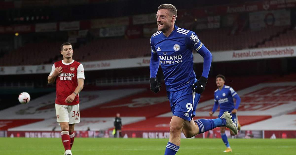 """Arsenal thua đau: """"Hung thần"""" Vardy lập kỷ lục, áp sát chiến tích Rooney"""