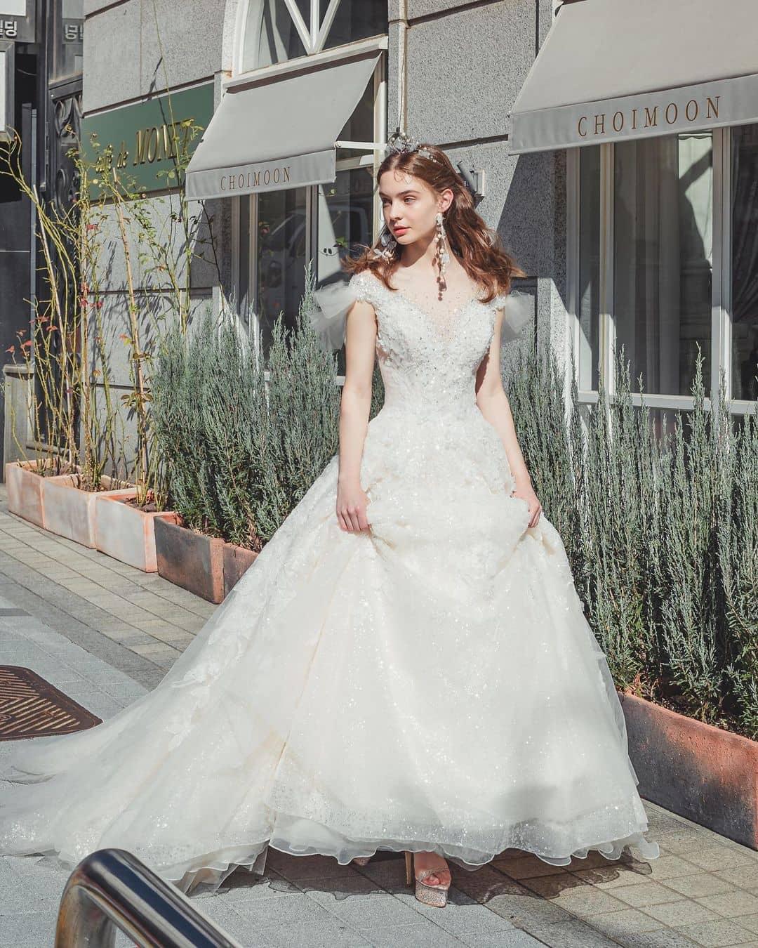 """""""Cô dâu Đông Âu"""" mang vẻ đẹp khiến bao người muốn cưới ở tuổi 17 - 4"""