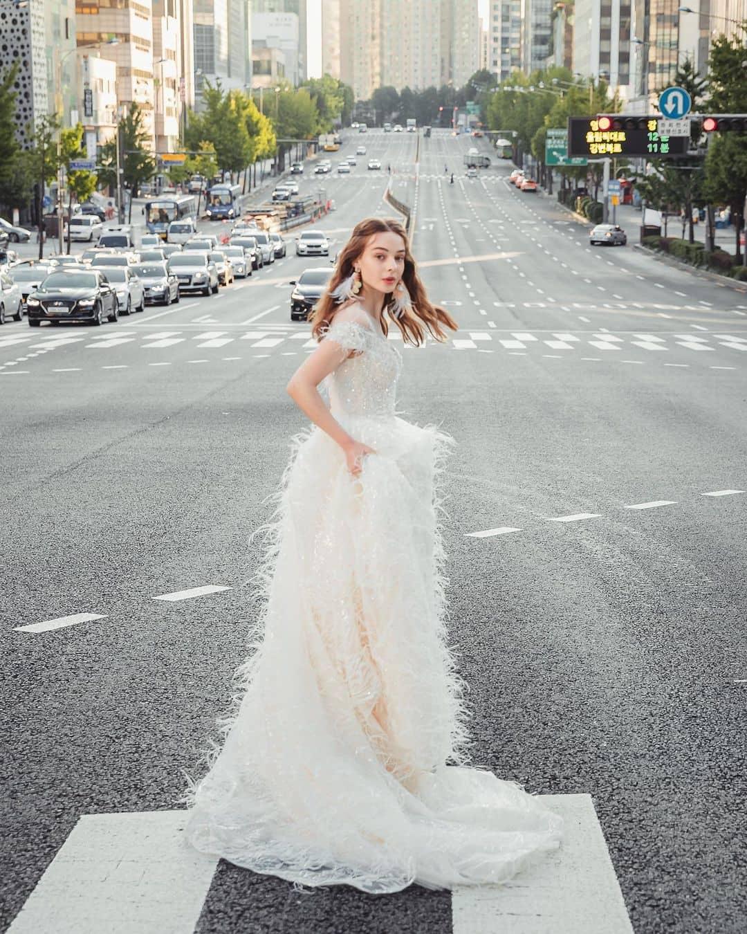 """""""Cô dâu Đông Âu"""" mang vẻ đẹp khiến bao người muốn cưới ở tuổi 17 - 8"""