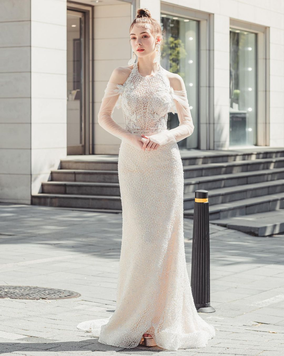 """""""Cô dâu Đông Âu"""" mang vẻ đẹp khiến bao người muốn cưới ở tuổi 17 - 2"""