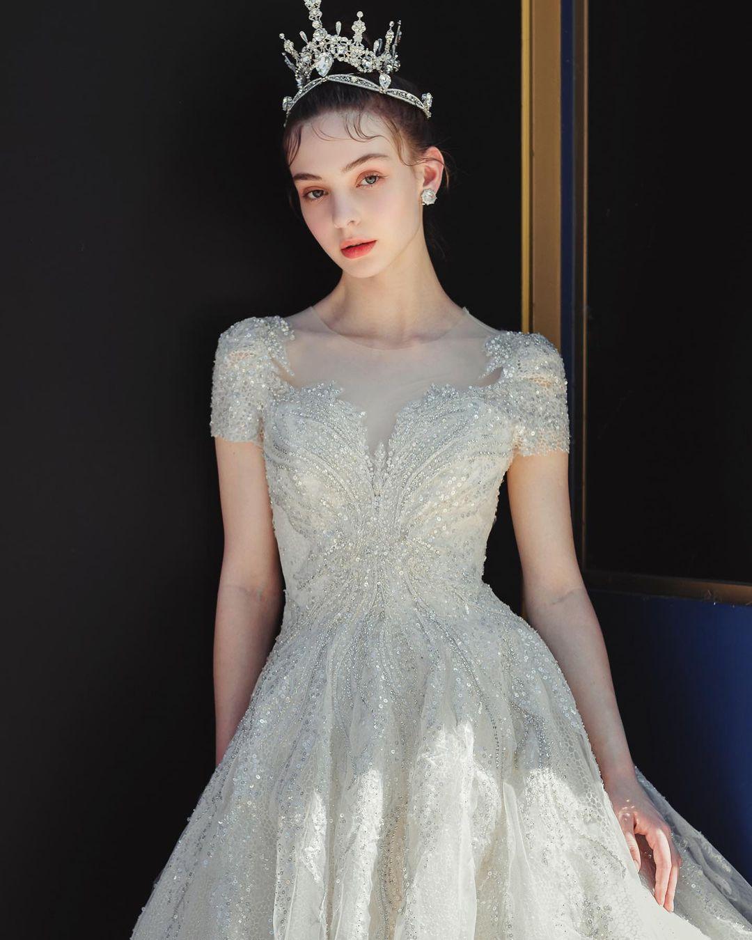 """""""Cô dâu Đông Âu"""" mang vẻ đẹp khiến bao người muốn cưới ở tuổi 17 - 3"""