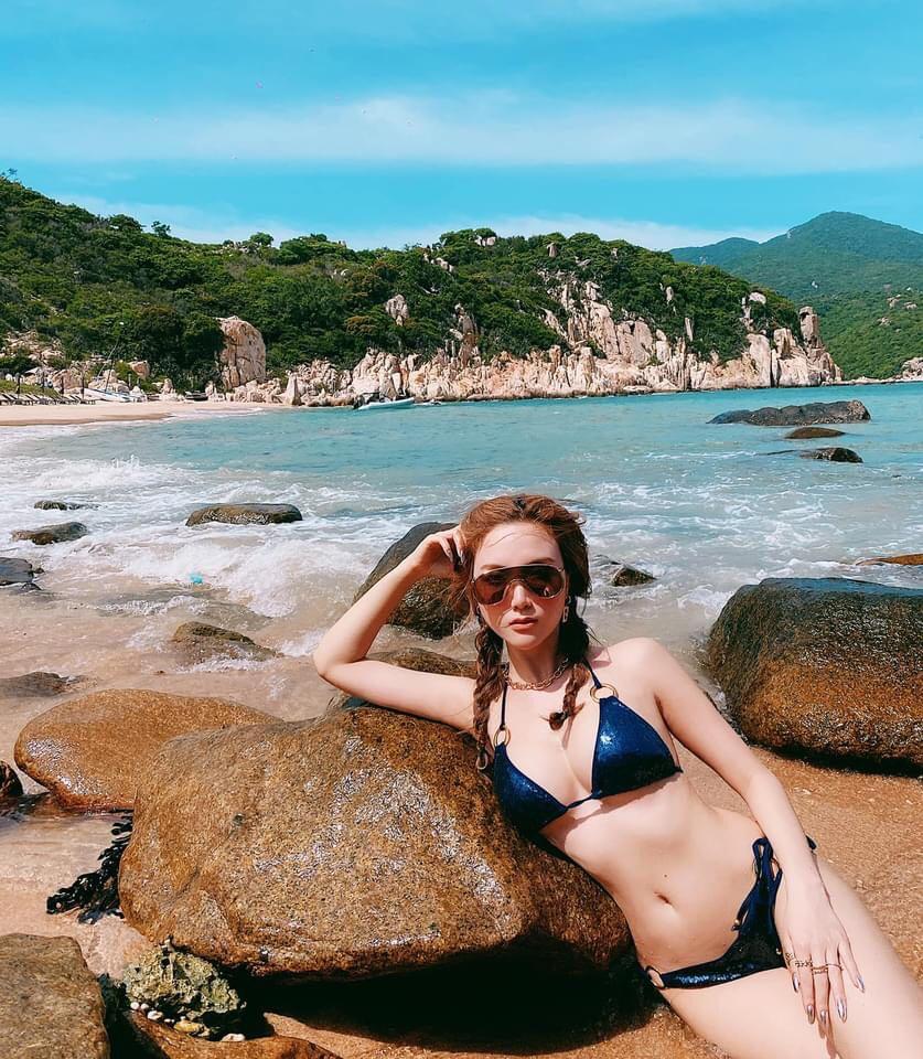 """""""Cô gái khiến Tuấn Hưng lao tâm khổ tứ"""" nổi nhất bãi biển nhờ điều này - 2"""