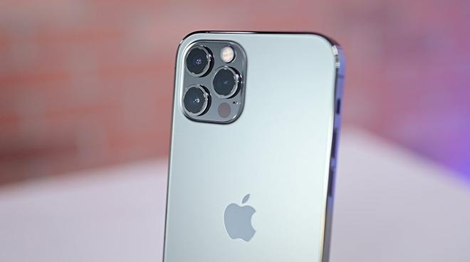 Apple khiến iFan sửng sốt với quảng cáo iPhone 12 Pro mới - 2