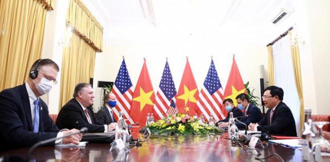 Chùm ảnh: Ông Pompeo gặp gỡ Thủ Tướng và Phó Thủ tướng Việt Nam - 9