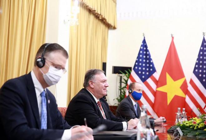 Chùm ảnh: Ông Pompeo gặp gỡ Thủ Tướng và Phó Thủ tướng Việt Nam - 10