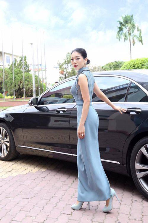 """Choáng với biệt thự triệu đô, loạt siêu xe tiền tỷ của """"nữ hoàng Bolero"""" Lệ Quyên - 5"""