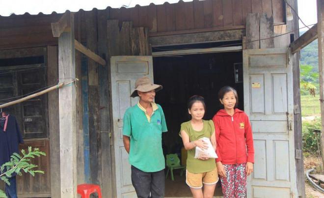 Bớt xén gạo cứu đói dân nghèo? - 2