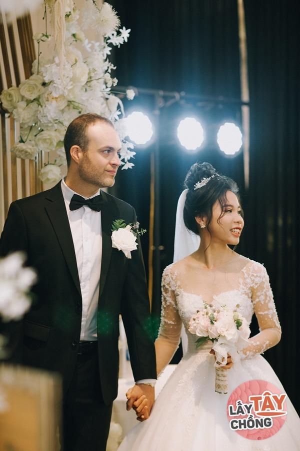 Tiểu thư Hà Thành bỏ tất cả sự nghiệp để lấy chồng Tây, giờ chăn bò bên Úc - 3
