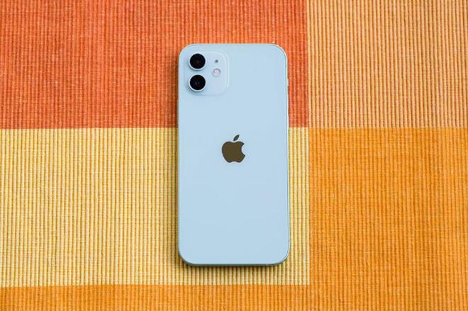 iPhone 12 và iPhone 8: Sau 3 năm, chúng khác nhau những gì? - 3