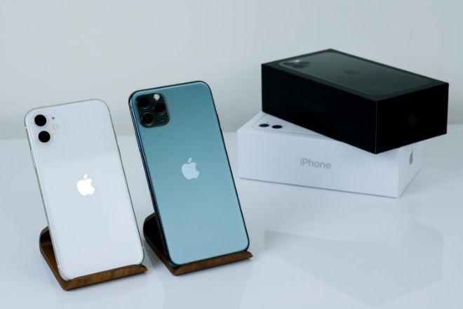 iPhone 12 so với iPhone XR: Đã đến lúc nâng cấp? - 1