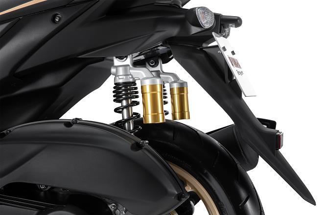 Đánh giá Yamaha NVX 155 VVA: Cái giá của 800,000 đồng - 9