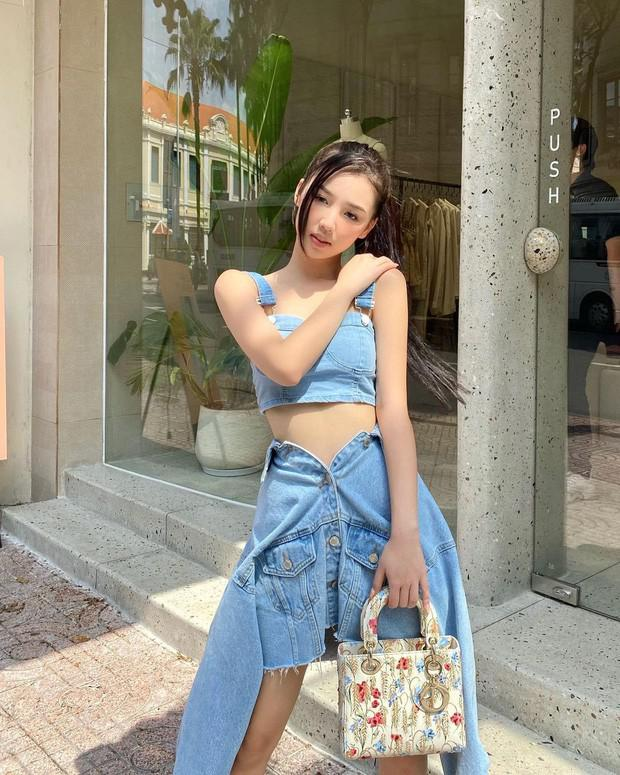 Miu Lê diện váy ngắn sexy, Amee biến hóa áo khoác thành chân váy cực cá tính - 7