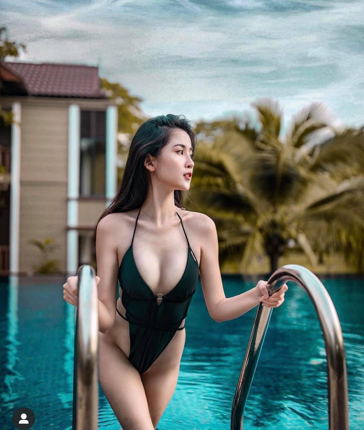 Mỹ nhân châu Á dùng lá chuối làm áo ngực, đẹp ảo diệu mà không phô - 1