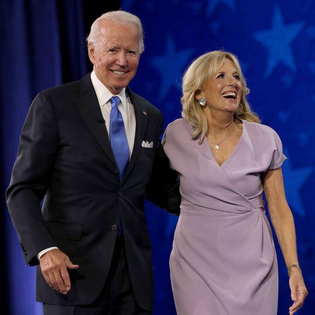 Phu nhân 70 tuổi của ông Joe Biden có gu thời trang thanh lịch - hình ảnh 5
