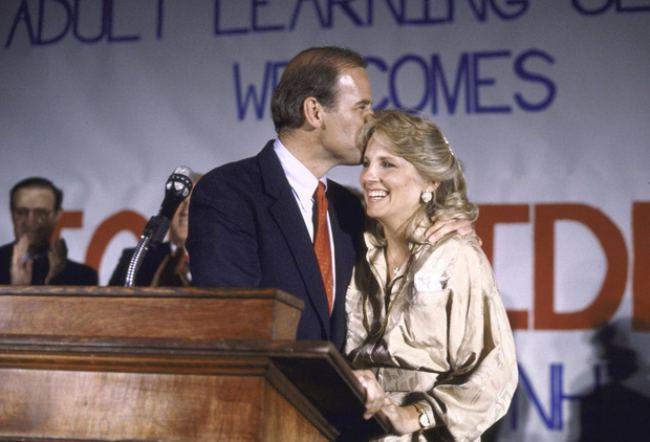 Phu nhân 70 tuổi của ông Joe Biden có gu thời trang thanh lịch - hình ảnh 1
